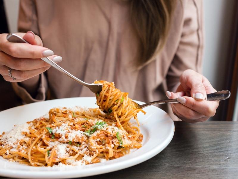 ダイエット中に食べ過ぎても焦らない♪消化促進リフレクソロジー