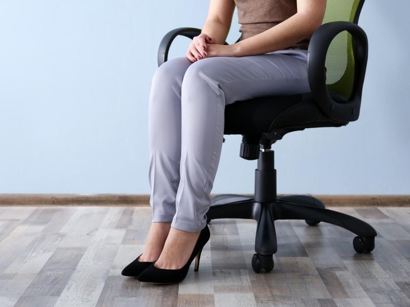 座り方を変えれば体も変わる?!疲れにくい正しい座り方