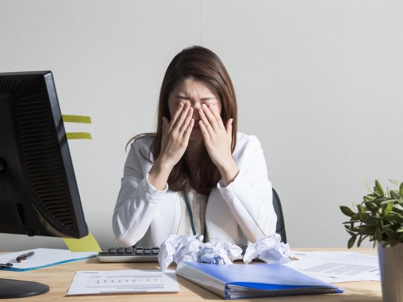 デスクワーク疲れに効果的なリフレクソロジーのやり方