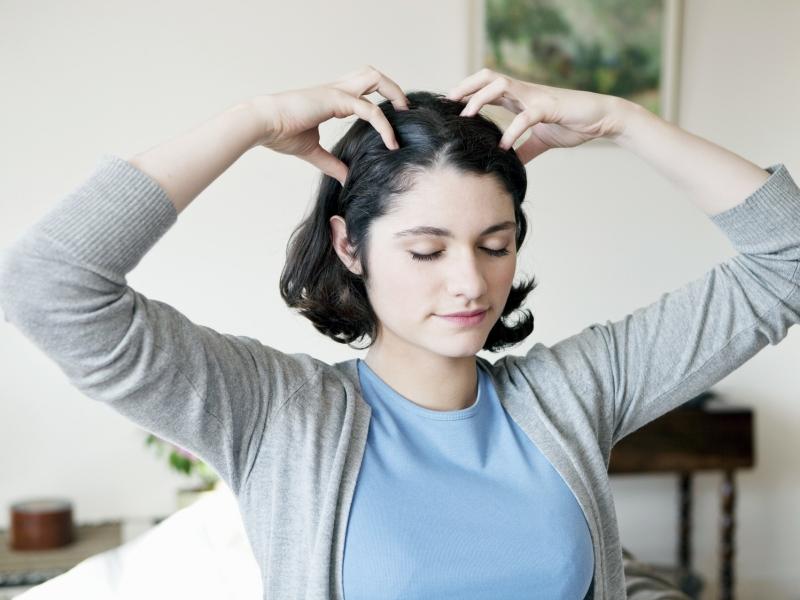 顔のむくみスッキリ!忙しい朝でもできる頭皮マッサージのやり方