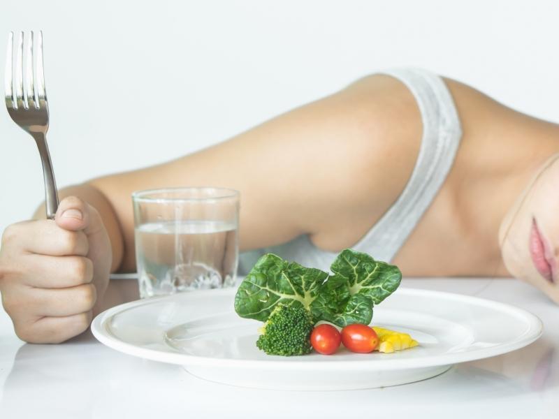 食べないダイエットで痩せられない理由とは?