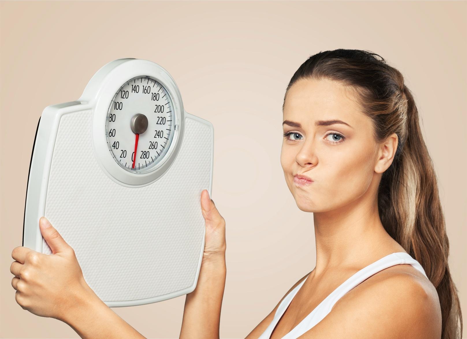 体重が落ちない……ダイエット中の停滞期はいつまで続くの?